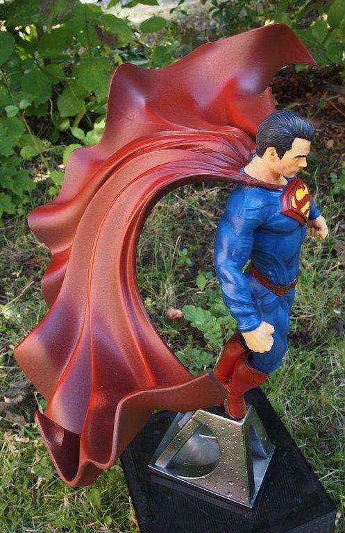 [Bild: superman2021_1:10_037_20210902.jpg]